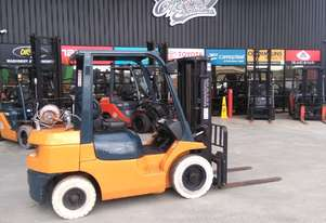 Toyota 42-7FG25 2.5t gas forklift