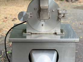 Leaf Grinding/Milling Machine - picture0' - Click to enlarge
