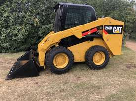 CAT 246D Skid Steer, Caterpillar 2016 Model  - picture4' - Click to enlarge