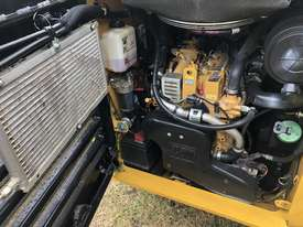 CAT 246D Skid Steer, Caterpillar 2016 Model  - picture8' - Click to enlarge