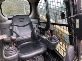CAT 246D Skid Steer, Caterpillar 2016 Model  - picture12' - Click to enlarge