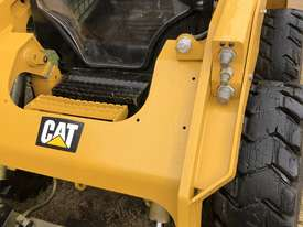 CAT 246D Skid Steer, Caterpillar 2016 Model  - picture6' - Click to enlarge