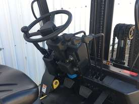 Run-out Special 2.5T Diesel Counterbalance Forklifts - picture7' - Click to enlarge