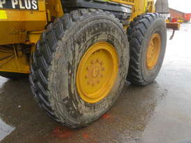 2005 CATERPILLAR 140H MOTOR GRADER - picture2' - Click to enlarge