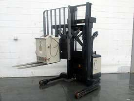 Crown Walkie REACH Stacker - picture1' - Click to enlarge