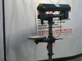 Waldown Radial pedestal drill - picture0' - Click to enlarge