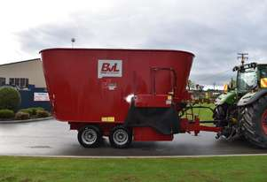 Used BvL V-Mix 24 Mixer Wagon -