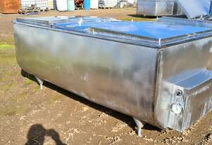 STAINLESS STEEL TANK, MILK VAT 2250 LT