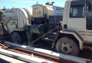 Road sweeper, Ford Cargo, dual steering.
