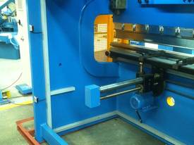 3200MM X 6MM GUILLO & 3200MM X 135TON PRESSBRAKE  - picture6' - Click to enlarge