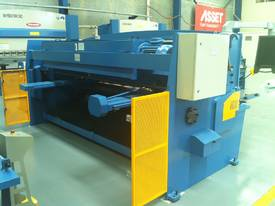 3200MM X 6MM GUILLO & 3200MM X 135TON PRESSBRAKE  - picture12' - Click to enlarge