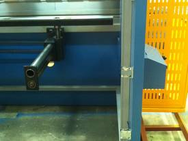 3200MM X 6MM GUILLO & 3200MM X 135TON PRESSBRAKE  - picture3' - Click to enlarge
