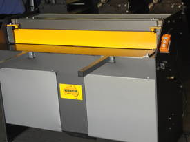 1250mm x 4mm Australian made hyd guillotine - picture12' - Click to enlarge