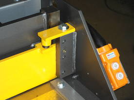 1250mm x 4mm Australian made hyd guillotine - picture3' - Click to enlarge