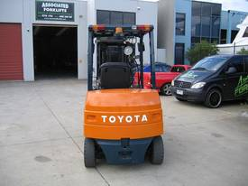 TOYOTA 2.5t Battery / Electric with Weight Gauge - picture3' - Click to enlarge