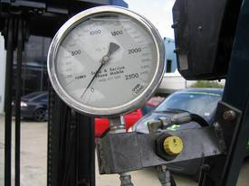 TOYOTA 2.5t Battery / Electric with Weight Gauge - picture1' - Click to enlarge