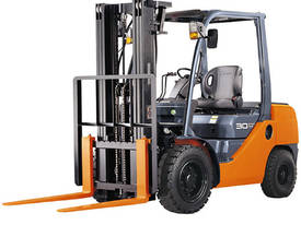 2.0 - 3.25 Tonne Petrol/LPG 8-Series Cushion Tyre - picture0' - Click to enlarge