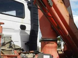 Volvo Semi Truck with FASSI Crane. EMUS NQ - picture6' - Click to enlarge