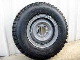 2016 Workmate Toyota Landcruiser Tyres