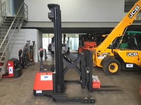 Pantographic Walkie Reach Stacker - picture2' - Click to enlarge