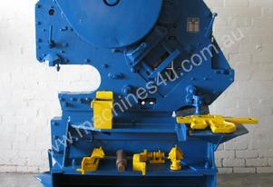 Metal Steel Shear Cutting Machine Worker