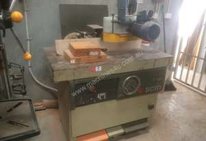 USED SCM T130 SPINDLE MOULDER WITH POWER FEEDER