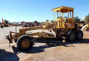 Komatsu GD300A-1 Grader *CONDITIONS APPLY*
