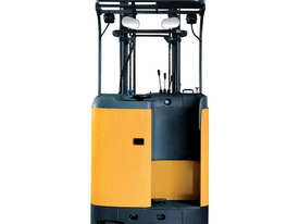 Caterpillar Sit-on 1.6 Tonne Reach Truck - picture2' - Click to enlarge