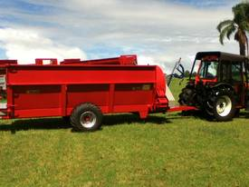 Compost/manure row spreader suit Orchard & Vineyard - picture2' - Click to enlarge