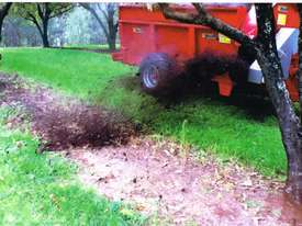 Compost/manure row spreader suit Orchard & Vineyard - picture0' - Click to enlarge