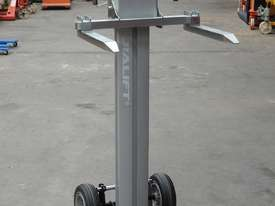 150kg Material Lifter/Trolley lift height 105cm unit weight 20kg - picture0' - Click to enlarge