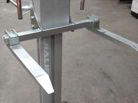 150kg Material Lifter/Trolley lift height 105cm unit weight 20kg - picture1' - Click to enlarge