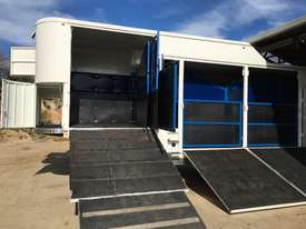 15 HORSE SEMI TRAILER HORSE FLOAT - picture1' - Click to enlarge