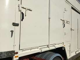 15 HORSE SEMI TRAILER HORSE FLOAT - picture2' - Click to enlarge