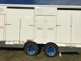 15 HORSE SEMI TRAILER HORSE FLOAT - picture3' - Click to enlarge