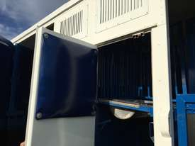 15 HORSE SEMI TRAILER HORSE FLOAT - picture6' - Click to enlarge