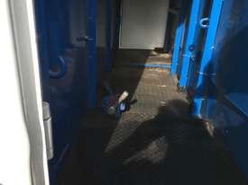 15 HORSE SEMI TRAILER HORSE FLOAT - picture9' - Click to enlarge