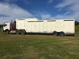 15 HORSE SEMI TRAILER HORSE FLOAT - picture13' - Click to enlarge