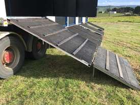 15 HORSE SEMI TRAILER HORSE FLOAT - picture15' - Click to enlarge