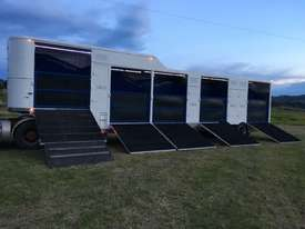15 HORSE SEMI TRAILER HORSE FLOAT - picture17' - Click to enlarge