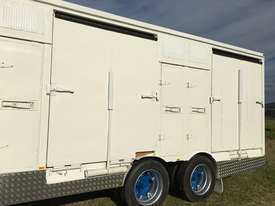 15 HORSE SEMI TRAILER HORSE FLOAT - picture18' - Click to enlarge