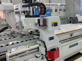 NANXING Auto labeling Auto Load & unload 2500*1250mm CNC Machine NCG2512L - picture1' - Click to enlarge