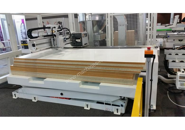 NANXING Auto labeling Auto Load & unload 2500*1250mm CNC Machine NCG2512L