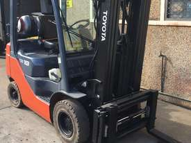 Toyota Container Mast Forklift - picture2' - Click to enlarge