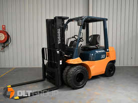 Used Toyota 7FD25 Dual Drive Forklift 2Z Diesel Engine Container Mast - picture1' - Click to enlarge
