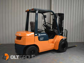 Used Toyota 7FD25 Dual Drive Forklift 2Z Diesel Engine Container Mast - picture2' - Click to enlarge