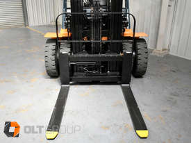 Used Toyota 7FD25 Dual Drive Forklift 2Z Diesel Engine Container Mast - picture4' - Click to enlarge