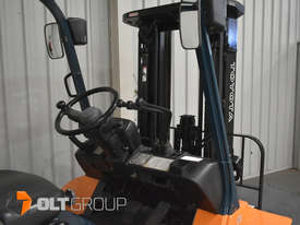 Used Toyota 7FD25 Dual Drive Forklift 2Z Diesel Engine Container Mast - picture7' - Click to enlarge