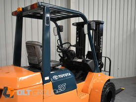 Used Toyota 7FD25 Dual Drive Forklift 2Z Diesel Engine Container Mast - picture8' - Click to enlarge