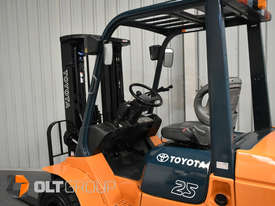 Used Toyota 7FD25 Dual Drive Forklift 2Z Diesel Engine Container Mast - picture11' - Click to enlarge